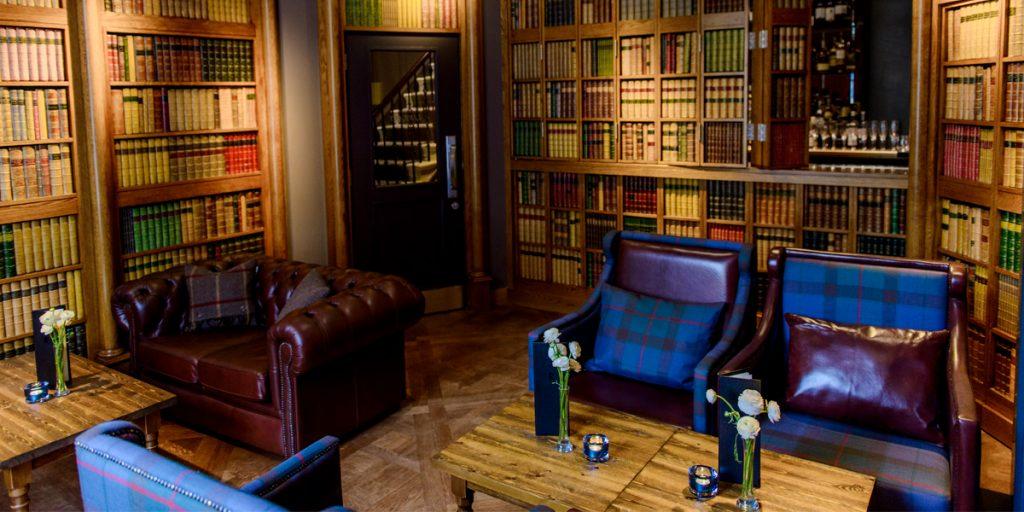 DecBOOKS Interior Design Ideas Tailor-made Library Book Display